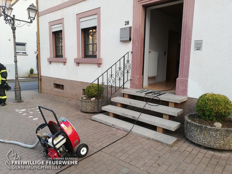 Rauchentwicklung aus Gebäude, Glan-Münchweiler